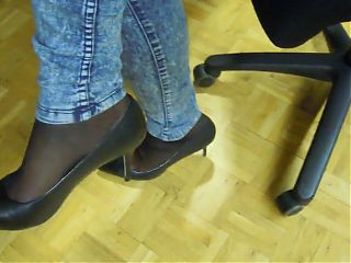 mother stinky feet in pantyhose