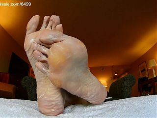 Ms Coco s Ridiculously Huge Soles Get Lotion
